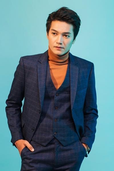 Quang Tuấn chụp ảnh