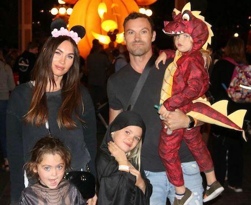 Megan Fox cùng chồng con đi nghỉ lễ Halloween sớm tại Disneyland. Ảnh: Instagram.