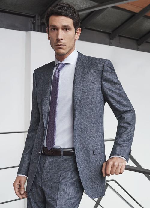 Thương hiệu thời trang nam sang trọng của Italy sản xuất nhiều loại vải độc quyền.