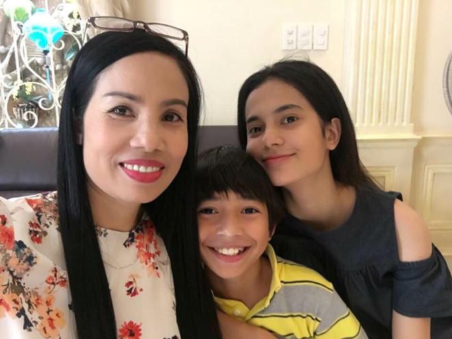 Con gái 19 tuổi của diễn viên Lê Hóa