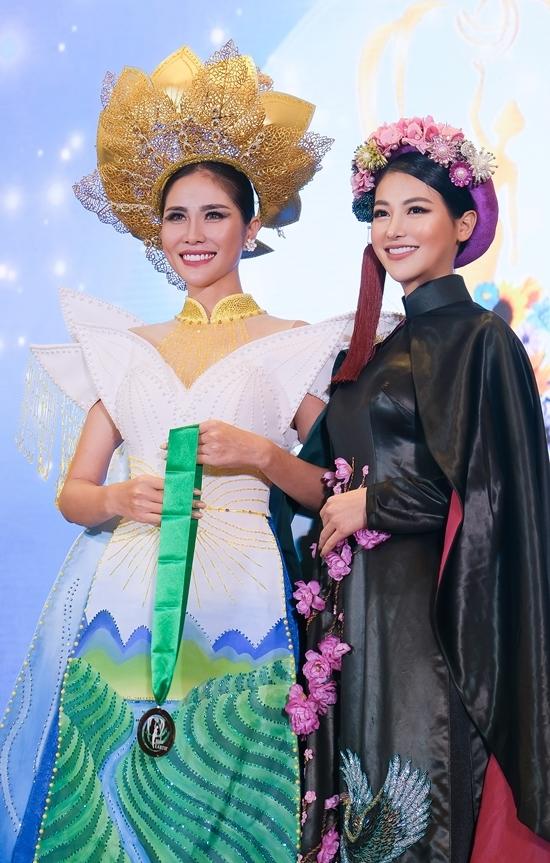 Phương Khánh chấm thi Miss Earth