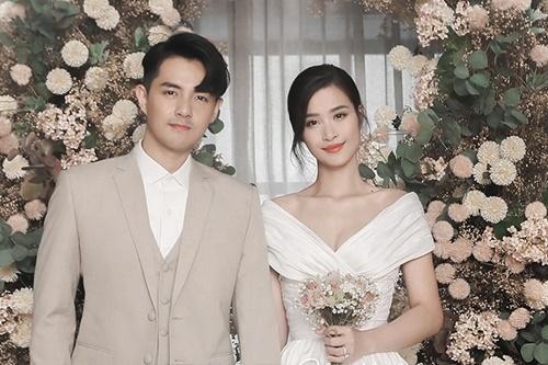 Đông Nhi, Ông Cao Thắng đầu tư cho bộ ảnh cưới. Cô dâu diện sáu bộ váy còn chú rể cũng được may năm bộ vest. Ảnh: Tee Le.