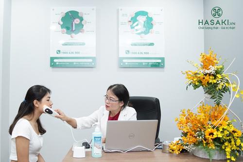 Hasaki Clinic & Spa còn cócác dịch vụ chăm sóc và trị liệuvấn đề về da được thực hiện bởi các bác sĩ da liễu giàu kinh nghiệm.