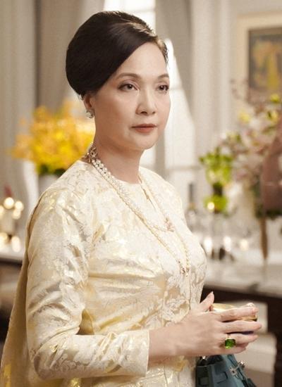 Tạo hình Lê Khanh trong phim Gái già lắm chiêu phần ba. Ảnh: Mars6.