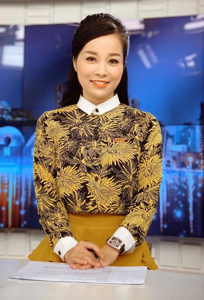 Minh Hương hiện là MC dẫn bản tin chính luận của một kênh truyền hình.