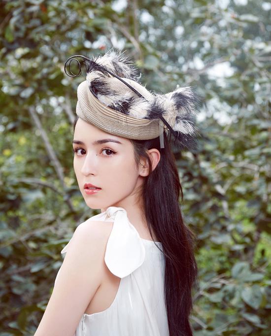 'Tiên nữ Tân Cương' diện đa phong cách