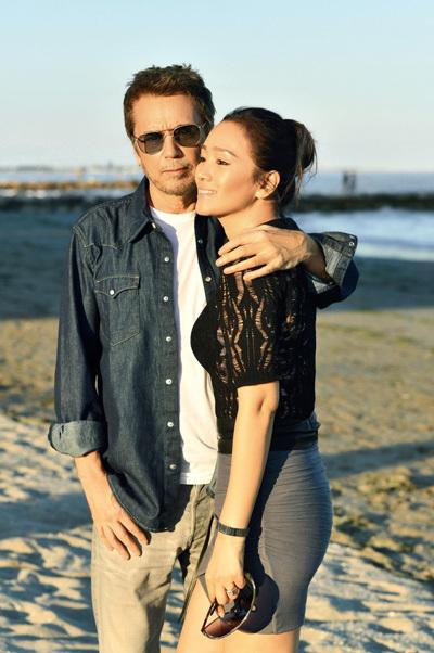 Vợ chồng Củng Lợi trên tạp chí Paris Match - 1