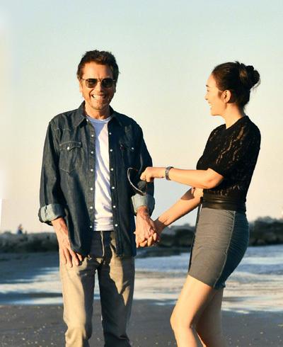 Vợ chồng Củng Lợi trên tạp chí Paris Match - 2
