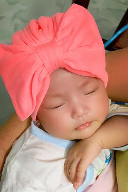 Con gái Lê Phương hai tháng tuổi.