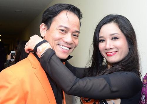 Thanh Thanh Hiền và Chế Phong ở hậu trường một đêm nhạc. Ảnh: Giang Huy.