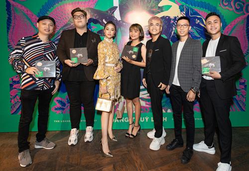 Hoàng Thùy Linh cùng êkíp làm nhạcgồmnhạc sĩ Nguyễn Hải Phong (trái) và nhóm DTAP. Ảnh: HTL.