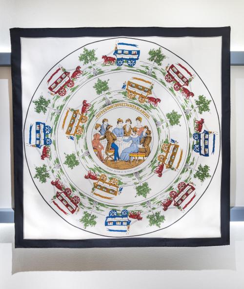 Những chiếc khăn vuông Carré Hermès được thiết kế cầu kỳ, công phu.