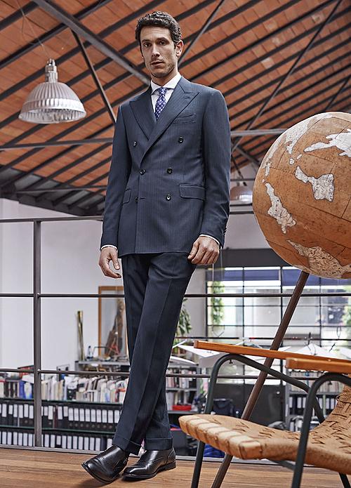 Mỗi bộ suit thuộc Su Misura đều mang cá tính, chất riêng.