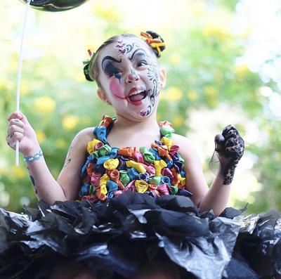 Ngày 24/10, Marian Rivera đăng trên trang cá nhân ảnh con gái tham gia cuộc thi hóa trang dịp Halloween ở trường.
