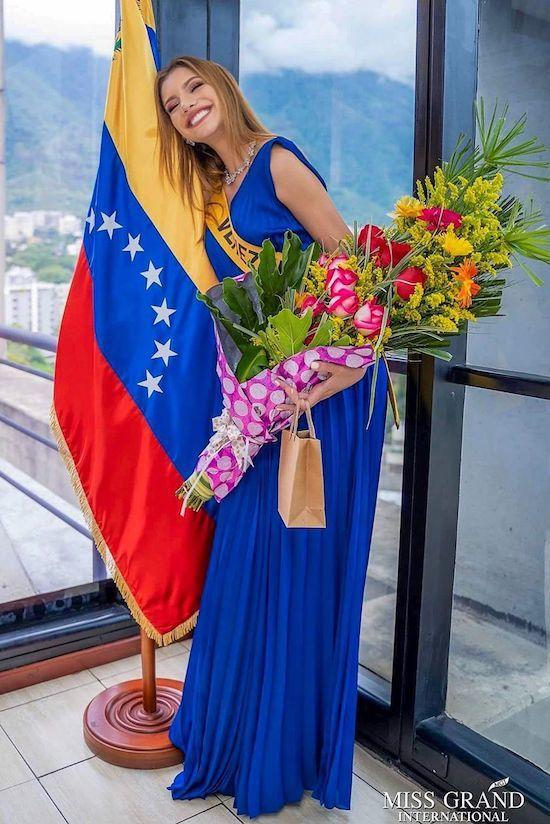 Nhan sắc tân Hoa hậu Hòa bình Quốc tế