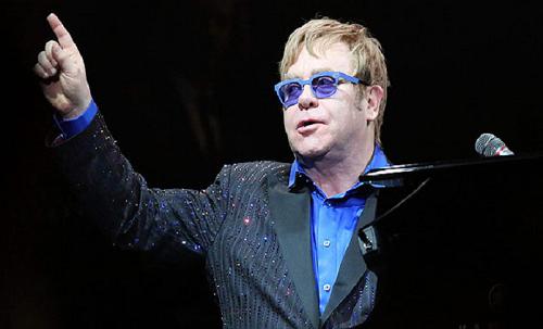 Elton John trong một buổi diễn. Ảnh: AFP.