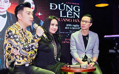 Thanh Lam (giữa) là khách mời trong liveshow của Quang Hà tại Hà Nội vào ngày 8/11. Ảnh: QH.
