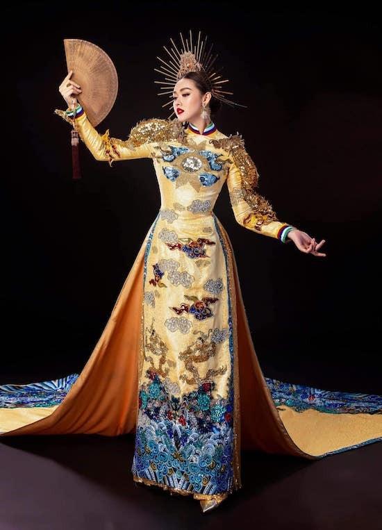 Trang phục dân tộc của Tường San. Ảnh: SV.