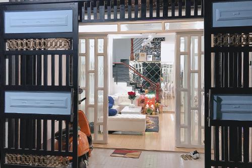 Căn nhà do ca sĩ tự lên ý tưởng thiết kế, làm nội thất. Ảnh: CKP.