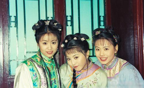 Trần Doanh (phải) bên các diễn viên Lâm Tâm Như (trái, vai Hạ Tử Vy) và Phạm Băng Băng (vai Kim Tỏa).