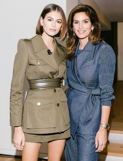 Kaia Gerber và mẹ - Cindy Crawford. Ảnh: Vogue.