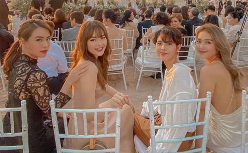 Từ trái sang: ca sĩHoàng Thùy Linh, Minh Hằng, Vũ Cát Tường và diễn viên Khả Ngân.