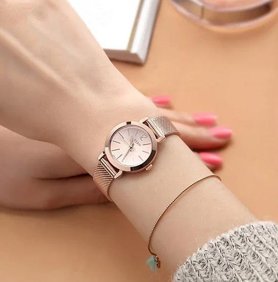 Đồng hồ Julius làm tư th