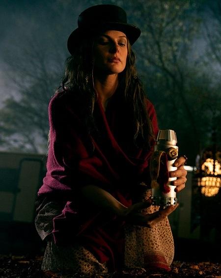 Rebecca Ferguson trong vai ác. Ảnh: Warner Bros.