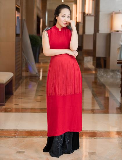 Hoa hậu Thế giới người Việt 2007 sinh con đầu lòng hồi tháng hai bằng phương pháp sinh mổ. Hiện cô dành thời gian ở nhà chăm sóc con gái. Cô dự định cho con bú ít nhất một năm, sau đó mới trở lại công việc.