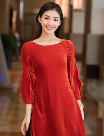 Người đẹp Áo dài Lê Thanh Tú cũng sẽ góp mặt trong show diễn.