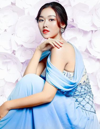 Tường San đoạt ngôi Á hậu 2 cuộc thi Miss World Vietnam, diễn ra ở Đà Nẵng đầu tháng 8. Cô sinh năm 2000, hiện là sinh viên một đại học quốc tế (Hà Nội). Người đẹp có gương mặt khả ái, chiều cao 1,7 mét và số đo ba vòng 82-62-95 cm. Trước Tường San, Thúy Vân giành danh hiệu Á hậu 3 Hoa hậu Quốc tế - thành tích cao nhất của Việt Nam ở đấu trường nhan sắc này.