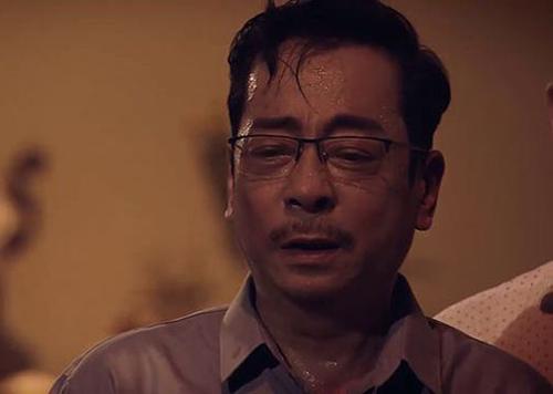 Trần Nghĩa (NSND Hoàng Dũng) khóc xin lỗi gia đình nạn nhân vụ sập mỏ.