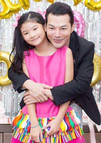 Trần Bảo Sơn bên con gái - Bảo Tiên. Ảnh: T.B.S.