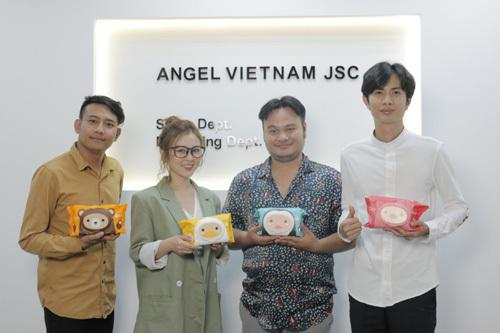 FAPtv (Funny Action Program) được thành lập vào ngày 14 tháng 2 năm 2014 là 1 nhóm hài hoạt động trên Youtube, đến nay thì nhóm hài Faptv đã chiếm được một vị trí không hề nhỏ trong ngành giải trí Việt hiện nay, và sở hữu một lượng fan khá khổng lồ.