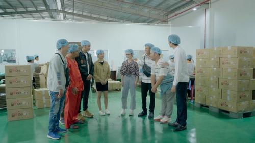 Trở về công ty, Ribichấp nhận ý kiến của Huỳnh Phương là mời nhóm hài đang rất nổi tiếng FAPtv làm video quảng cáo cho họ.