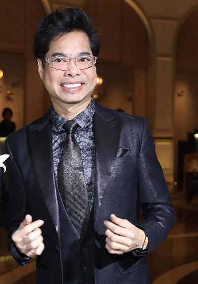 Ca sĩ Ngọc Sơn. Anh từng làm giám khảo cuộc thi Cặp đội hoàn hảo Bolero - trữ tình 2017 mà Giang Hồng Ngọc giành giải quán quân.