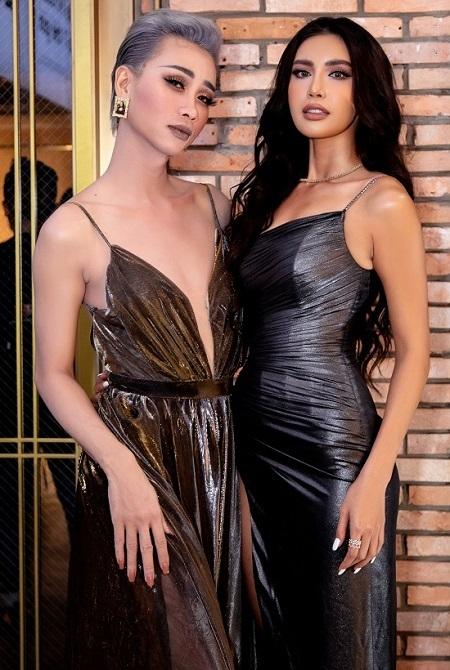 Minh Tú (phải) và Hải Triều (đóng giả làm phụ nữ) ở buổi ra mắt phim ngày 12/11. Ảnh: BTC.