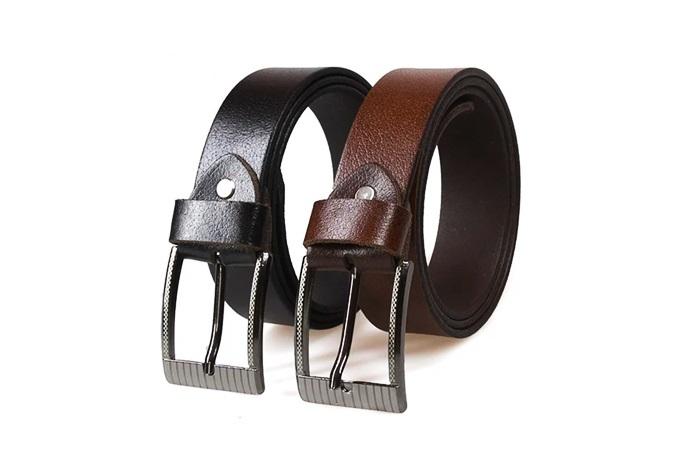 MẫuManzo 130được cắt từ tấm da bò nguyên bản, mặt khóa thắt lưng thiết kế tối giản, làm bằng thép không gỉ.Quy tắc đơn giản khi phối đồ là màu của thắt lưng luôn trùng hoặc tối hơn màu quần.Sản phẩm đang giảm 20%, còn 199.000 đồng (giá gốc248.750đồng).