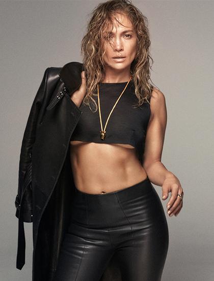 Jennifer Lopez nhận giải Biểu tượng của năm từ tạp chí GQ. Ảnh: GQ.