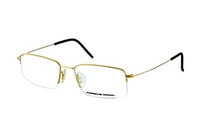 Porsche Design P8257 A là một trong những thương hiệu có giá đắt đỏ của Đức. Kính được làm từ hợp kim Titanium và nhựa, chống biến dạng hay trầy xước khi va đập. Thiết kế với phần gọng thanh mảnh, phối màu mộc mạc với phần viền kính mạ vàng. Trọng lượng nhẹ, ôm sát gương mặt. Càng kính không gây vết hằn hay khó chịu với da. Sản phẩm đang giảm 11% trên Shop VnExpress, còn 82 triệu đồng (giá gốc 92 triệu đồng).