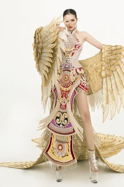 Trang phục dân tộc của Ngọc Châu. Ảnh: An Kha.