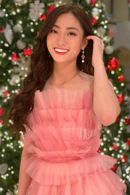 Lương Thùy Linh trong ngày đầu tiên ở Miss World.