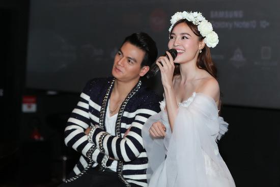 Lan Ngọc tái hiện một cảnh trong MV cùng Xuân Tiền. Ảnh: Bil.