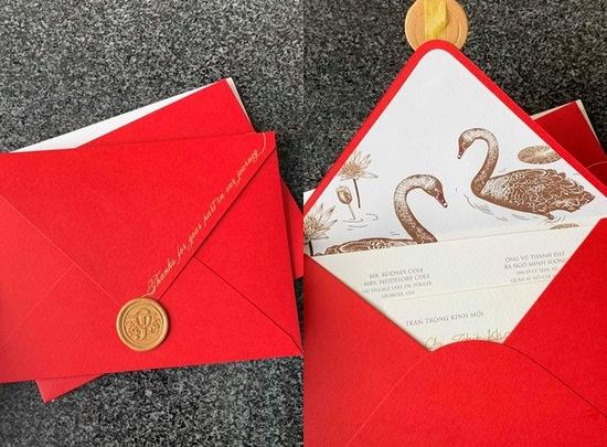 Thiệp cưới do Hoàng Oanh lên ý tưởng và vẽ tay logo.