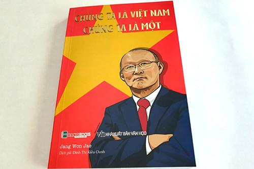 Bìa sách Chúng ta là Việt Nam - Chúng ta là một. Ảnh: HNB.