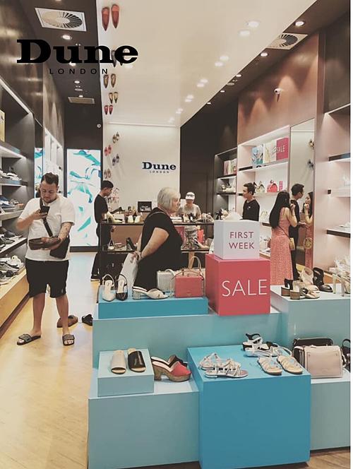 Dune London sánh vai các thương hiệu giày và phụ kiện trên thế giới gây chú ý với hàng loạt items đang on trend với mức giảm sâu.