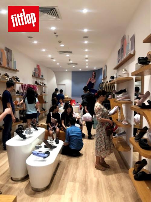 Dành cho những ai ưa thích lối sống healthy & balance, FitFlop trình làng hàng loạt hot items cùng công nghệ đế giày độc quyền với mức giá dành riêng cho dịp mua sắm lớn nhất trong năm.