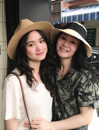 Quách Thu Phương và con gái. Ảnh:QTP.