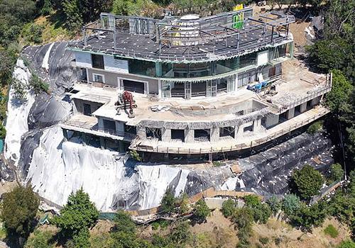 Khu biệt thự đang xây dở của Mohamed Hadid. Ảnh: Mega.