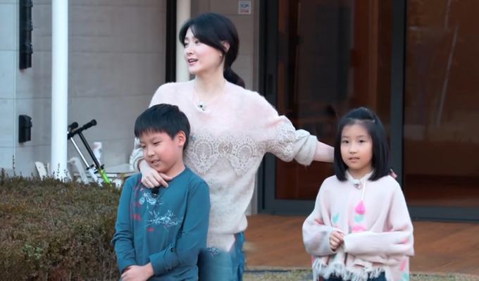 Lee Young Ae kể chuyện nuôi dạy con